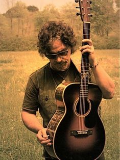 "Check out my interview with John Oates. He talks with us about his new album, ""Arkansas,"" it's connection to his memoir, ""Change of Seasons"" and much more.   And be sure to catch him live tomorrow night at the Neighborhood Theatre in Charlotte, NC.  #countrymusic #folkmusic #Americana #GoodRoadBand #JohnOates #HallandOates #music #musicnews #interview #interviews #entertainment #Arkansas #NeighborhoodTheatre #Charlotte #NorthCarolina"