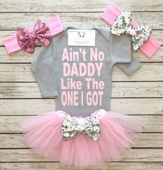 Excited to share thi Excited to share this item from my shop: Father's Day Shirts Ain't No Daddy Like The One I Got Bodysuit Daddy Bodysuits Father's Day Gifts Baby Girl Clothes Daddy Shirts Lila Baby, Baby Kostüm, My Baby Girl, Baby Girls, Camo Baby, Baby Outfits, Kids Outfits, Future Daughter, Future Baby