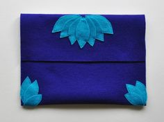 DIY: simple felt clutch