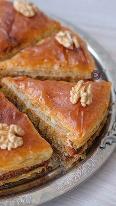 Baklava Cake - A Slice of Flavor Although vegan diet is apparently spreading recently, veganism Best Breakfast Casserole, Breakfast Toast, Baklava Cake Recipe, Vegetarian Breakfast Recipes, Easy Eat, Turkish Recipes, Pastel, Dinner Recipes, Food And Drink