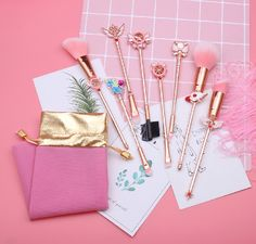 This 9 pcs Cardcaptor Sakura Clear Card makeup brush set features adorable designs from the CCS Clear Card Arc including her gorgeous magical girl wands, clow staff, Spinel/Suppi and Kero designs! | Bijou Blossoms