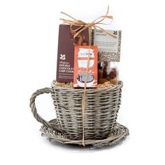 Cotswold Fayre has been appointed by Todhunter, designers of bespoke food gifts and hampers, as their major distributor to the Retail Sector, for its new range of beautiful National Trust gifts and hampers. Available now in our Christmas 2015 Catalogue
