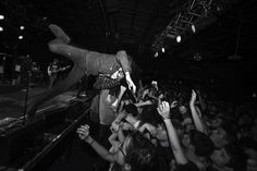Live show # stage dive