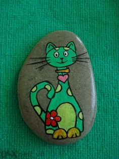 Cat on a Rock. Pebble Painting, Pebble Art, Stone Painting, Diy Painting, Painted Rock Animals, Hand Painted Rocks, Painted Stones, Stone Crafts, Rock Crafts