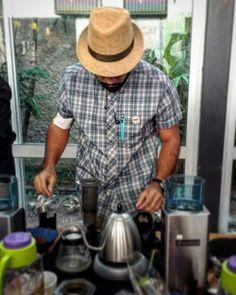 #TBT de un día  lleno de café  #campeonatoaeropressve2016  #ElBaristaVenezolano #maracay #aragua #mcy #igersmaracay #caracas #ccs #maracaibo #barquisimeto #merida #venezuela #igvenezuela #igersvenezuela #venezolanos #artevenezolano #cafevenezolano #café #coffee #barista #aeropress #coffeemoment #coffeeholic http://ift.tt/1Vbg53z