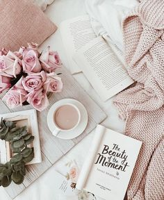 When I have my coffee shop, my IG will be about coffee and books Book Aesthetic, Aesthetic Pictures, Flatlay Instagram, Free Instagram, Flat Lay Inspiration, Inspiration Wall, Coffee And Books, Coffee Coffee, Coffee Shops