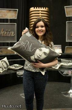 Diandra-tyyny valloitttavan Diandran nimmarilla Nenäpäivä-huutokaupassa #Huuto.net