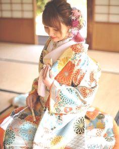 いいね!2,130件、コメント5件 ― プレ花嫁の結婚式準備アプリ♡ -ウェディングニュース-さん(@weddingnews_editor)のInstagramアカウント: 「* * #パステル カラー の華やかな #色打掛 ❤ * * こちらのお写真は #ドレスショップ @weddingboxmitsuwa さんからリグラムさせていただきました🌟…」 Kimono Fashion, Fashion Art, Kimono Japan, Japanese Wedding, Flowers In Hair, Flower Hair, Japanese Characters, Japanese Outfits, Hair Ornaments