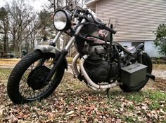 My 81 Yamaha xs400 military rat bobber Suicide shift no front brakes metal seat pan with ammo box for the battery and electrical straight raw