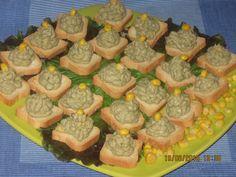 Tartine cu pasta de peste Romanian Recipes, Romanian Food, Mini Toast, 30 Minute Meals, Mousse, Dips, Muffin, Bread, Breakfast
