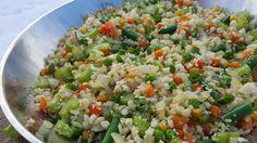 Clean Eating Cauliflower Fried Rice Recipe http://cleanfoodcrush.com/cauliflower-fried-rice/