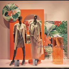 Flower templates, Store: Carsch Haus, Dusseldorf #flowertemplates #windowdisplay #windowdesign #formfactory #orange #template #visualdesign #visualmerchandising