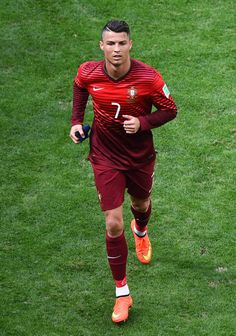 Cristiano Ronaldo (Portugal 2 - Ghana 1)