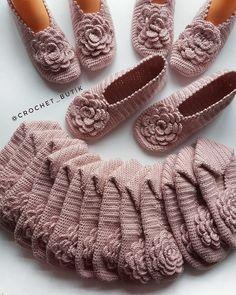 Best 11 Crochet Espadrilles with Flip Flop Soles – Free Pattern + Tutorial! Crochet Shoes Pattern, Baby Cardigan Knitting Pattern, Shoe Pattern, Knitting Stitches, Knitting Socks, Knitting Patterns, Crochet Patterns, Crochet Baby Sandals, Crochet Slippers