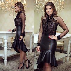"""9,616 curtidas, 125 comentários - Blog Trend Alert (@arianecanovas) no Instagram: """"{All black ✨} Look @docemaria_oficial ♥️ Saia de couro com camisa de renda transparente!"""""""