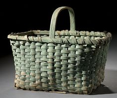 Splint Basket in Old Green Paint Old Baskets, Vintage Baskets, Wicker Baskets, Primitive Antiques, Country Primitive, Basket Weaving, Hand Weaving, Green Basket, Painted Baskets