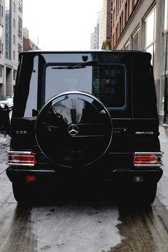 Black enamel G Wagon
