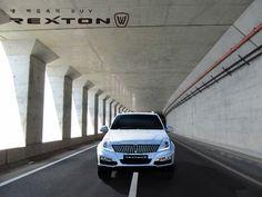 #쌍용자동차 #ssangyong #렉스턴W #REXTONW 어떠한 길이 펼쳐질 지 모르는 터널의 출구! 당신의 드라이빙과 지형에 맞춘 이상적인 SUV, 렉스턴W에게는 새로운 길을 개척하는 또 다른 입구가 됩니다. ▶페이스북 바로가기 https://www.facebook.com/rextonw/photos/a.478220495620895.1073741828.476033715839573/751742794935329/?type=1&permPage=1