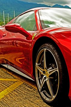 Gorgeous Ferrari 458 Italia. Win the 'ultimate' #supercar experience by clicking on this cool image