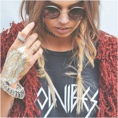 #styleinspo #styleinspiration #fashionista #fashionblogger #hairinspo #henna #braids #choker #grunge #boho #festival