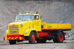 Big Rig Trucks, Dump Trucks, Tow Truck, Classic Trucks, Classic Cars, Vintage Cars, Retro Vintage, Commercial Vehicle, Heavy Equipment