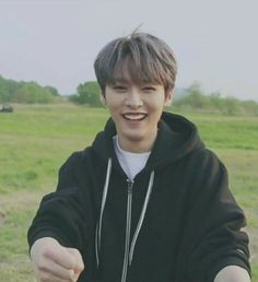 -¿Me das un besito, Jeongin? 𝐻𝑖𝑠𝑡𝑜𝑟𝑖𝑎 𝑟𝑒 𝑠𝑜𝑓𝑡, … # Fanfic # amreading # books # wattpad Lee Minho Stray Kids, Lee Know Stray Kids, Lee Min Ho, Wattpad, K Pop, Fanfiction, I Know You Know, Young K, Kids Icon