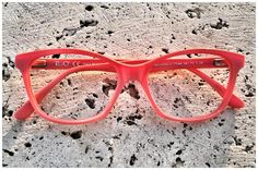 Free spirit with a light rose coral. Eyewear style n. 594 by Pollipò Occhiali, Rome. Handcrafted eyeglasses from Italy.