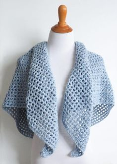 Wine Country Triangle Shawl - These free crochet shawl patterns are easy to make and really fun. Shawls and wraps can be worn in any season and make fabulous gifts. Crochet Patterns For Beginners, Easy Crochet Patterns, Knitting Patterns, Knitting Projects, Cowl Patterns, Sweater Patterns, Knitting Tutorials, Cardigan Pattern, Free Knitting