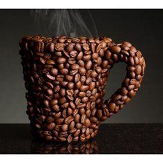 Las 30 tazas más increíbles del mundo del diseño | eHow en Español Para los amantes del café, ¡nada mejor que una taza hecha con sus granos!