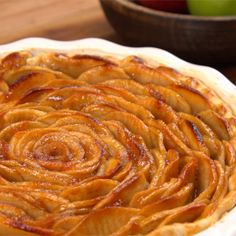 Want an open-faced pie that actually tastes as good as it looks? Then you need to try this beautiful Apple Rose Pie! It's a true holiday showstopper.