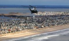President Obama and New Jersey Governor Chris Christie tour Sandy damage