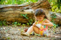 sesion infanti en el campo, fotografía de familia. Una tarde en el campo por los alrededores de balneario de fuente podrida, albacete. Javier Poveda