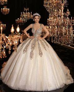 Sweet 16 Dresses, Pretty Dresses, Beautiful Dresses, Xv Dresses, Quince Dresses, Dream Wedding Dresses, Bridal Dresses, Wedding Gowns, Quinceanera Dresses Coral