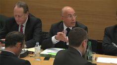 Cybercriminalité : le ministre de l'Intérieur détaille son plan anti-djihad