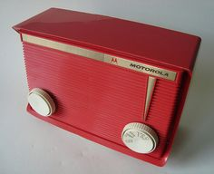 Another 1959 Motorola Radio (plus an amazing collection of vintage radios from the era... click through)