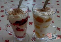 Sour cream dessert in the glass Czech Recipes, Raw Food Recipes, Vegetarian Recipes, Cooking Recipes, High Protein Diet Plan, Sour Cream Desserts, Trifle Desserts, Raw Food Diet, 1200 Calories