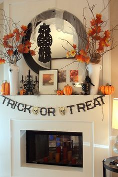 Halloween decorations - 14 Ways to Decorate Your Mantel for Halloween. Try these classy decorating ideas for your mantel this Halloween. After all, kids aren't the only ones who can have fun on this d (Halloween Check Mix) Spooky Halloween, Halloween Fireplace, Image Halloween, Halloween Party Decor, Holidays Halloween, Halloween Crafts, Happy Halloween, Classy Halloween, Fireplace Mantle