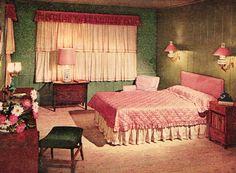Glamorous pink mid-century bedroom, 1953 http://www.retrorealtygroup.com #pinkbedroom #retrohome #1950s
