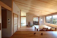 センスがよい。こういう木の家ならよい。