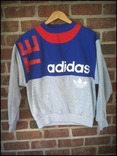 Yet another swagtastic Adidas piece up for sale. This is an early TEAM Adidas crewneck in a size Medium. Adidas Fashion, 80s Fashion, Vintage Fashion, Adidas Vintage, Adidas Mode, Stylish Outfits, Cute Outfits, Adidas Outfit, Mode Vintage
