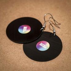 Vinylové náušnice - duhová