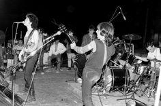 Led Zep-Civic Auditorium Honolulu, HI 17 September 1971 Punk Rock, Nina Hagen, Spanish Music, Whole Lotta Love, Famous Musicians, Walk The Earth, Patti Smith, Music Icon, Led Zeppelin