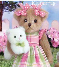 Bearington Bears Penny & Purrs by bearington… Love Bear, Big Bear, Country Bears, Teddy Bear Pictures, Tartan, Plaid, Boyds Bears, Bear Wallpaper, Cute Teddy Bears