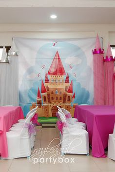 Razzle Dazzle Party Box: Theme Birthday Party: Enchanting Princess