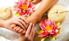 Foot Reflexology Massage - Secret World Thai Massage is pleased to offer reflexology foot massage treatment Newtown, Sydney. As well we offer a full range of thai reflexology foot massage, manicure, pedicure and spa services Newtown, Sydney. Massage Tips, Good Massage, Massage Therapy, Thai Massage, Massage Body, Stone Massage, Massage Benefits, Massage Techniques, It Hurts