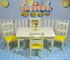 RARE YELLOW! Renwal TABLE & CHAIR SET Vintage Dollhouse Furniture 1:16 Plastic #Renwal
