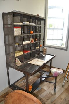 industrial style desk, this is flipping sweet