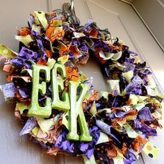 Google Image Result for http://static.tipjunkie.com/resize/400x400/r/halloween.tipjunkie.com/wp-content/halloween-thumbs/halloween-rag-wreath-how-to-make-halloween-decorations.JPG
