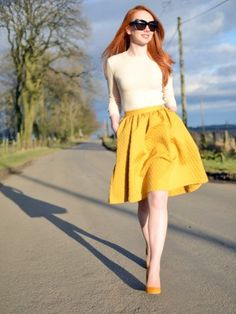 mustard yellow 50s skirt with pockets