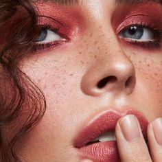 New makeup looks dark skin eyeshadows Ideas Eyebrows, Eyeliner, Eyeshadow, Make Up Looks, Smoky Eye, Beauty Nail, Gel Face Mask, Diy Beauty Treatments, Looks Dark
